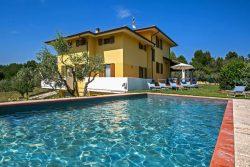 Vakantie accommodatie Adriatische kust,Le Marche Italië 13 personen