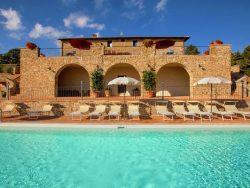 Vakantie accommodatie Umbrië Italië 18 personen